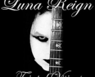 LUNA REIGN on Museboat Live channel